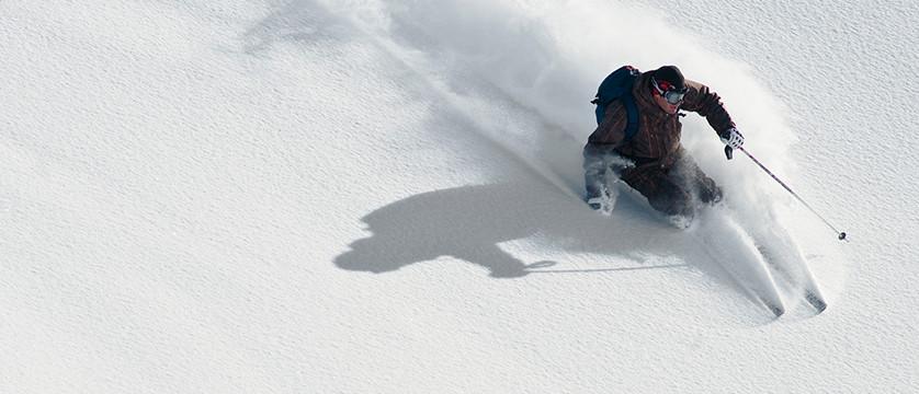 Austria_Obergurgl_action_ski.jpg